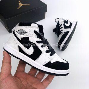 Giày trẻ em Air Jordan 1 Mid đen trắng