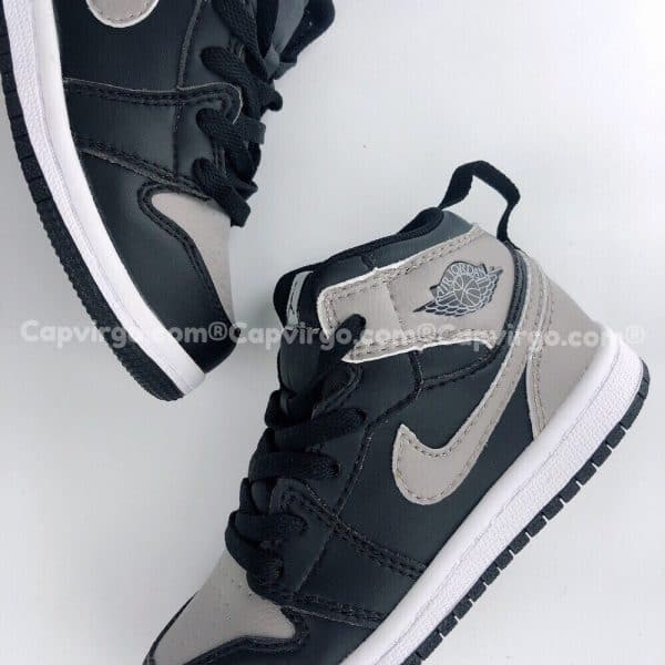 Giày trẻ em Air Jordan 1 Mid màu ghi đen