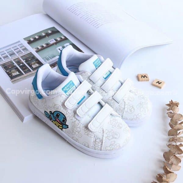 Giày trẻ em Stan Pokemon màu trắng xanh