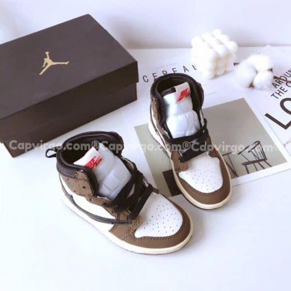 Giày trẻ em Air Jordan 1 Mid màu nâu trắng