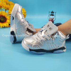 Giày air Jordan 6 trẻ em màu bạc