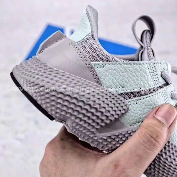 Giày adidas Prophere trẻ em màu xám nhạt