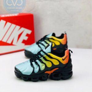 Giày trẻ em Nike Air Vapormax Plus màu xanh ngọc