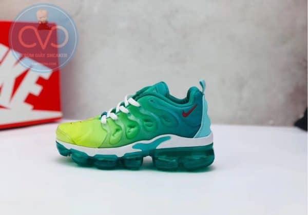 Giày trẻ em Nike Air Vapormax Plus màu xanh cốm