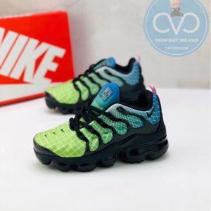 Giày trẻ em Nike Air Vapormax Plus màu đen xanh