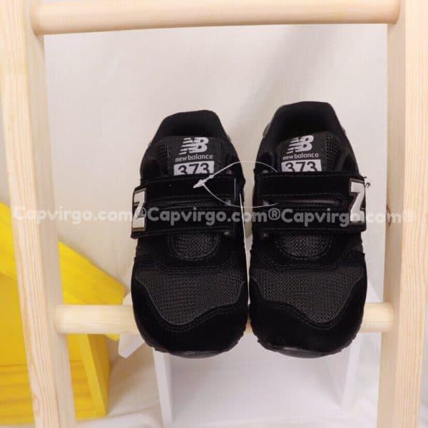 Giày trẻ em New Balance dán dính màu đen