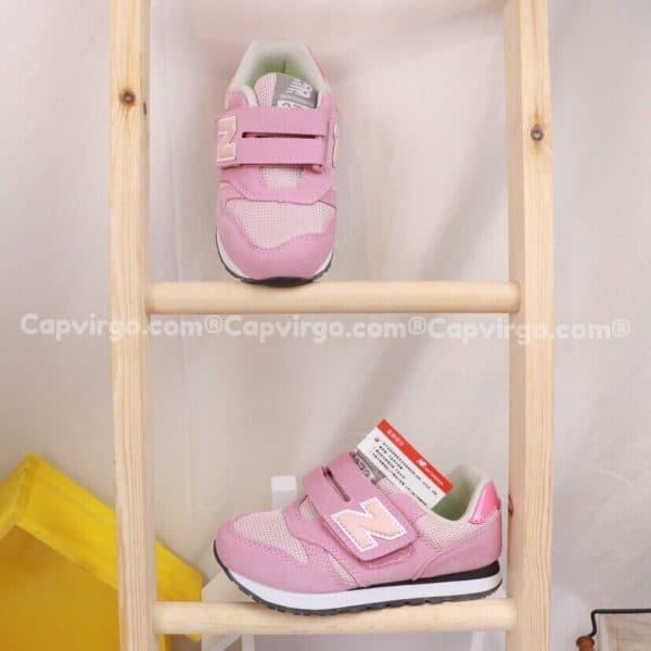 Giày trẻ em New Balance dán dính màu hồng