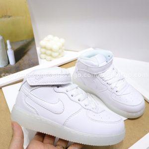 Giày trẻ em nike Force 1 đế đèn màu trắng