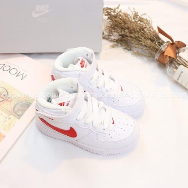 Giày trẻ em nike Force 1 trắng logo đỏ