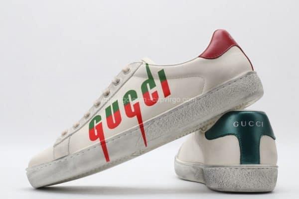 Giày gucci màu trắng họa tiết chữ gucci