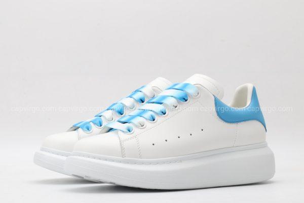 Giày McQueen rep 1:1 mà trắng gót xanh dây 3 màu