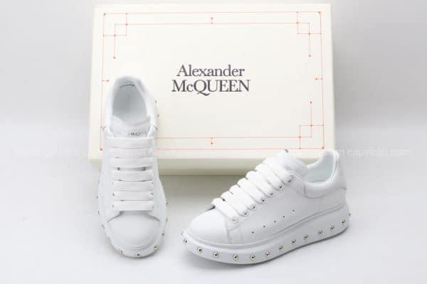 Giày McQueen siêu cấp full trắng họa tiết đinh tán