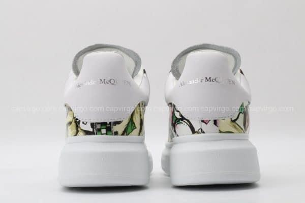 Giày McQueen họa tiết paint hình quân bài màu xanh viền trắng