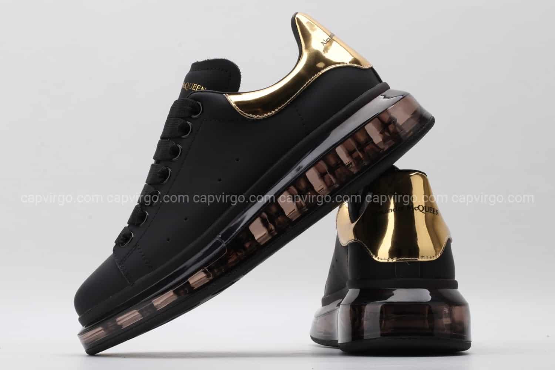 Giày McQueen đế hơi đen bóng gót vàng