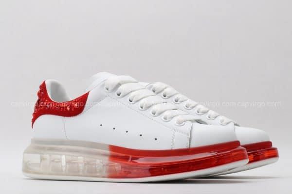 Giày McQueen đế hơi trắng gót đỏ họa tiết đá