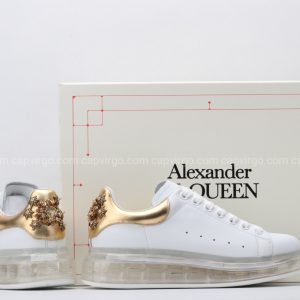 Giày McQueen đế hơi trắng gót vàng đồng