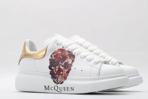 Giày McQueen siêu cấp trắng gót vàng họa tiết đầu lâu