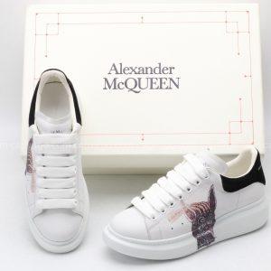 Giày McQueen siêu cấp trắng gót đen họa tiết mặt quỷ