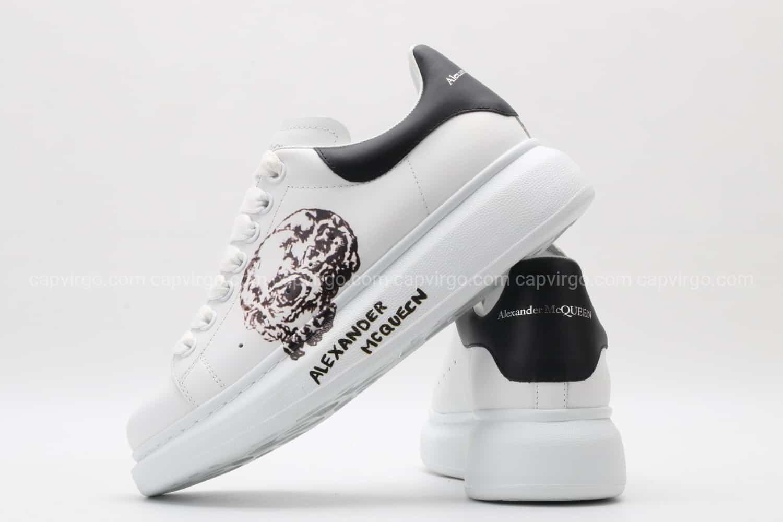 Giày McQueen siêu cấp trắng gót đen họa tiết đầu lâu