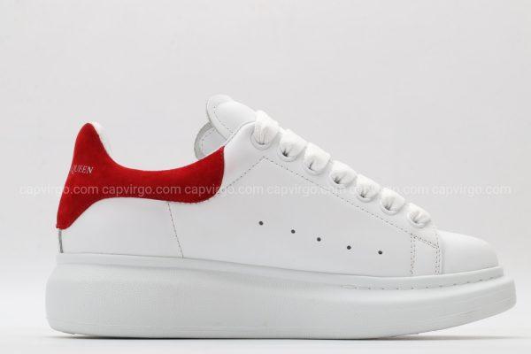 Giày McQueen trắng gót đỏ họa tiết bức tranh