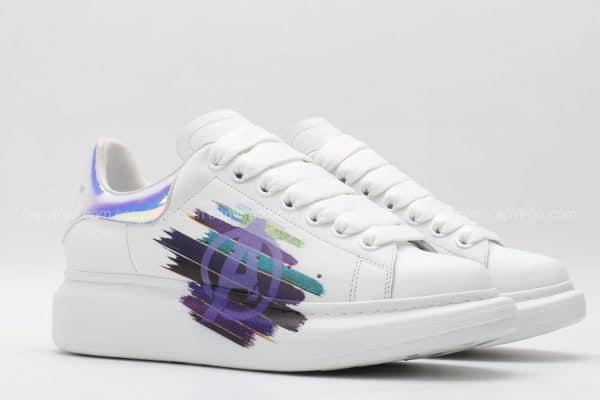 Giày McQueen trắng gót bóng họa tiết chữ A