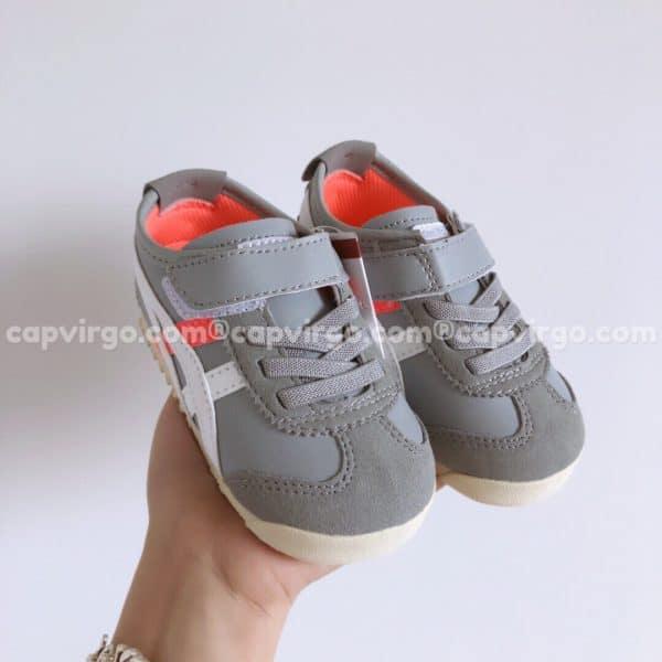Giày trẻ em Onitsuka Tiger màu xám sọc trắng