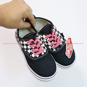 Giày Vans buộc dây màu đen họa tiết caro