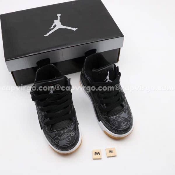 Giày trẻ em Air Jordan 4 màu đen họa tiết