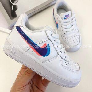 Giày trẻ em nike Air Force 1 màu trắng swoosh xanh