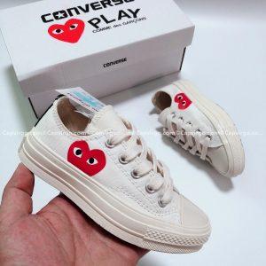 Giày Converse PLAY tim màu trắng cổ thấp