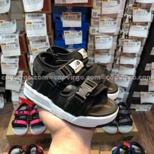 Sandal NB trẻ em 2 quai dán dính màu đen
