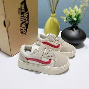 Giày Vans trẻ em màu trắng kem