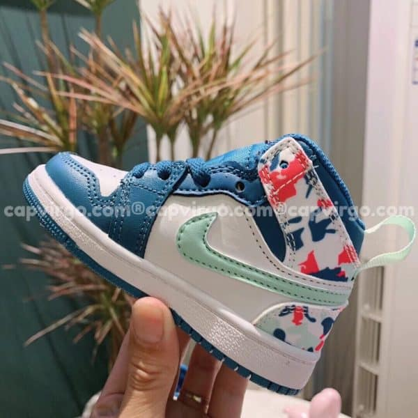 Giày trẻ em Air Jordan 1 Mid màu xanh họa tiết