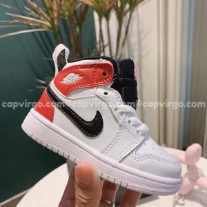 Giày trẻ em Air Jordan 1 Mid màu trắng đỏ đen