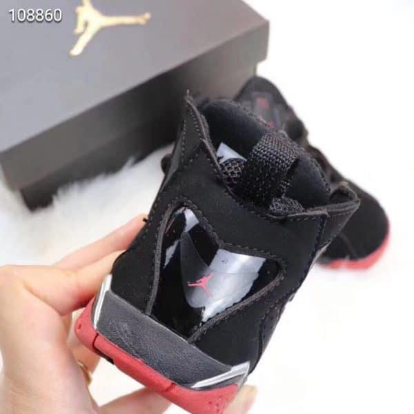 Giày trẻ em Air Jordan 7 Retro màu đen đỏ