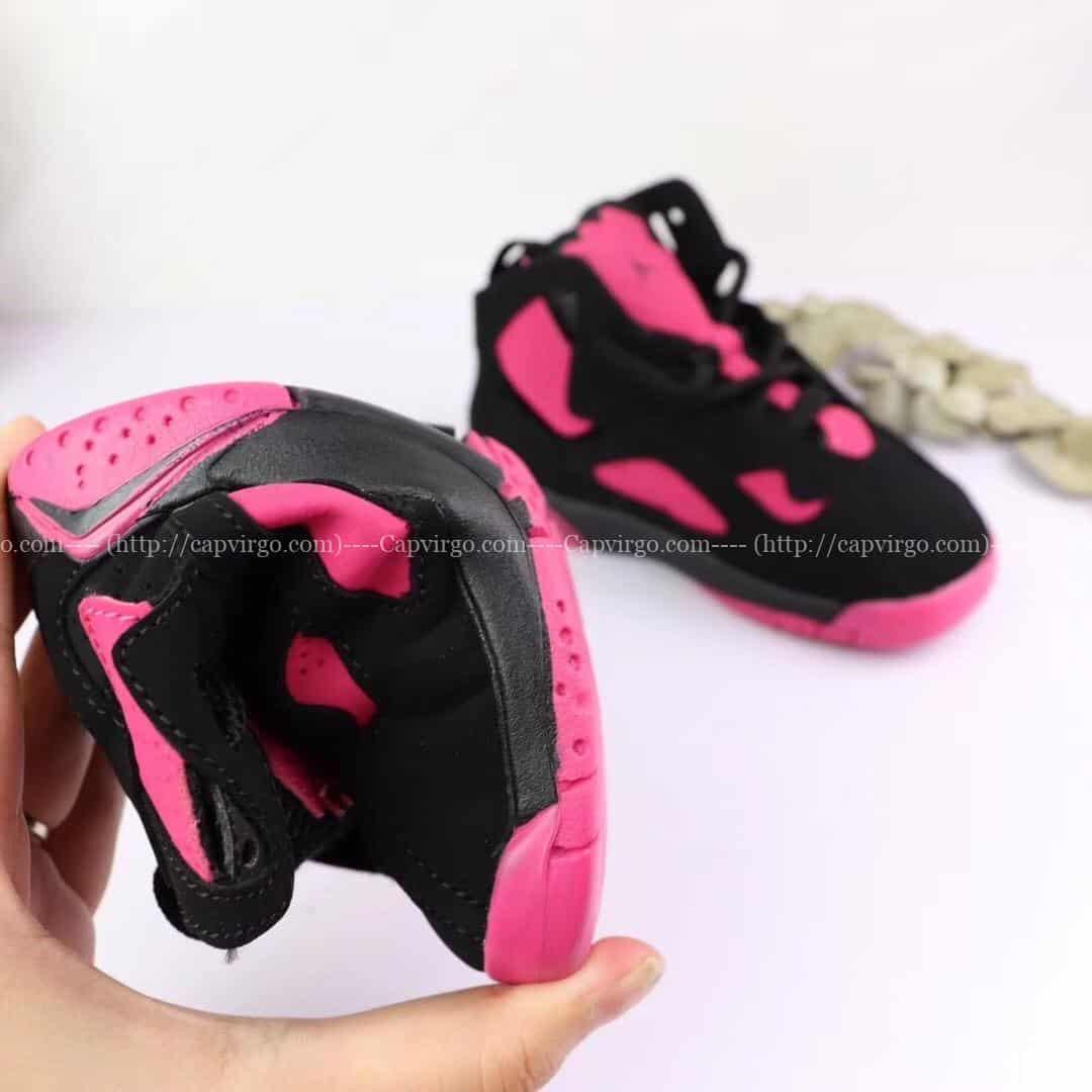 Giày trẻ em Air Jordan 7 Retro màu đen hồng