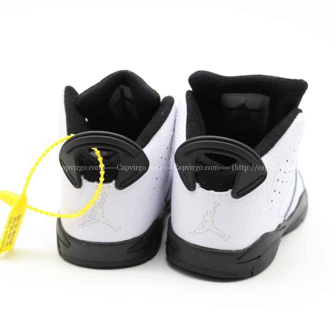 Giày trẻ em Air Jordan 6 Retro màu trắng đen