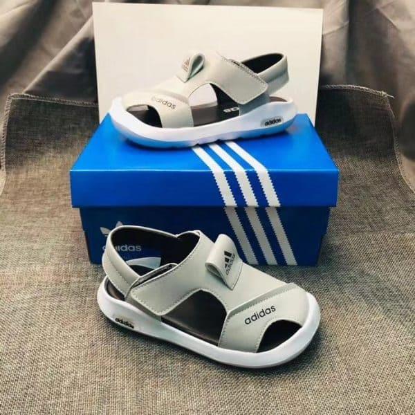 Sandal adidas trẻ em màu ghi
