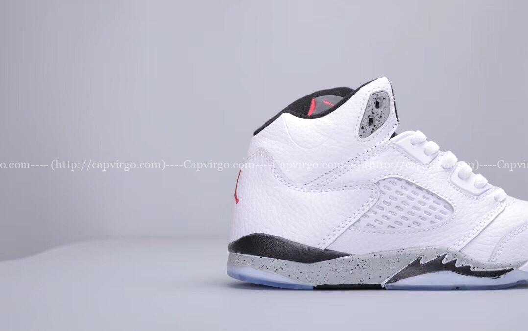 Giày trẻ em Air Jordan 5 Retro màu trắng ghi