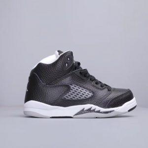 Giày trẻ em Air Jordan 5 Retro màu đen trắng