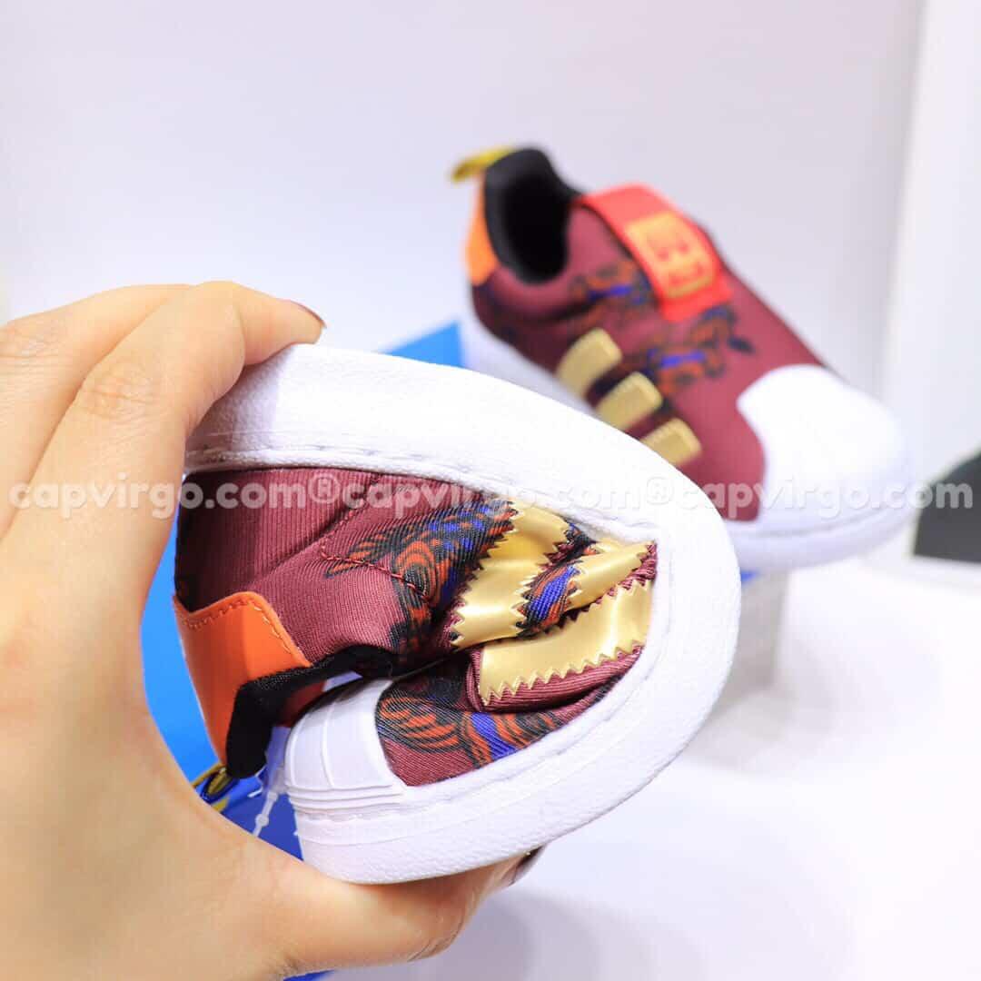 Giày Superstar trẻ em siêu nhẹ màu đỏ mận
