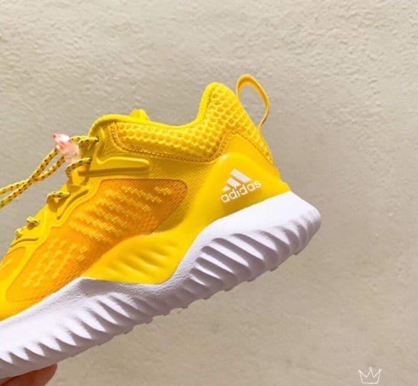 Giày Adidas AlphaBounce trẻ em màu vàng trắng