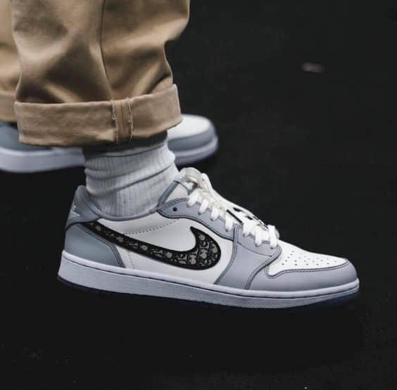 Giày Dior x Air Jordan 1