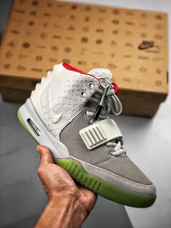 Giày Nike x Kanye West