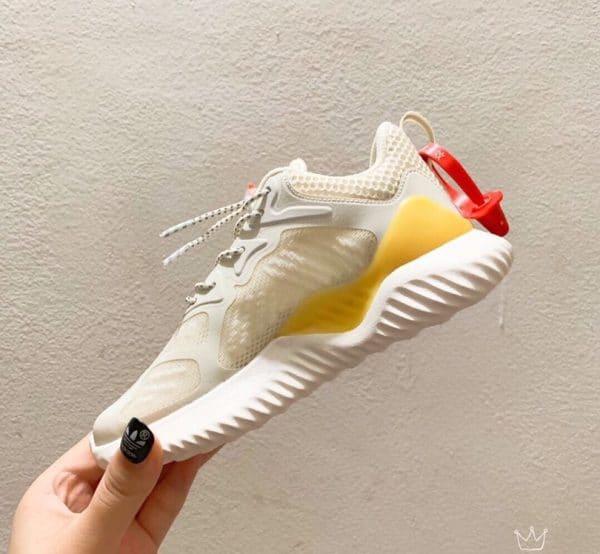 Giày Adidas AlphaBounce trẻ em trắng vàng