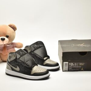 Giày trẻ em Jordan1 Retro High OG màu đen ghi