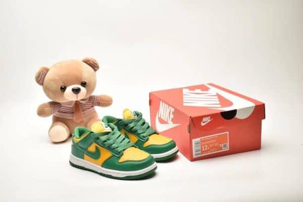Giày trẻ em Nike SB Dunk Low Pro màu xanh vàng