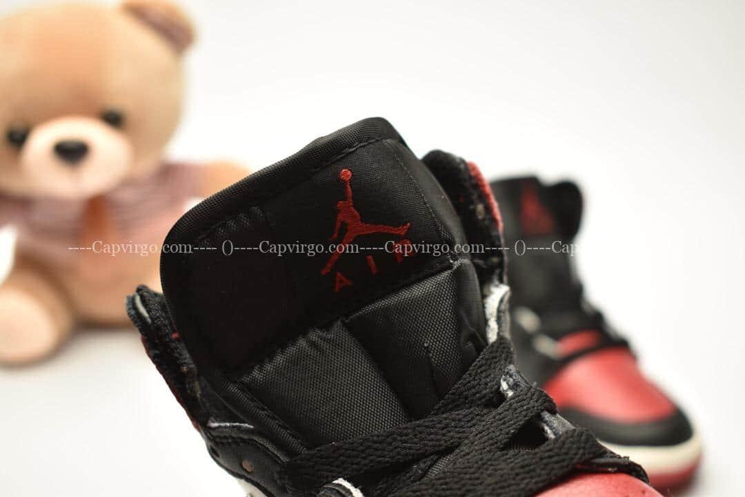 Giày trẻ em Jordan1 Retro High OG đen đỏ swoosh đen