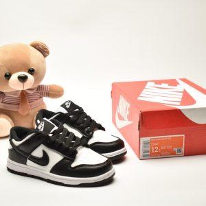 Giày trẻ em Nike SB Dunk Low Pro màu đen trắng