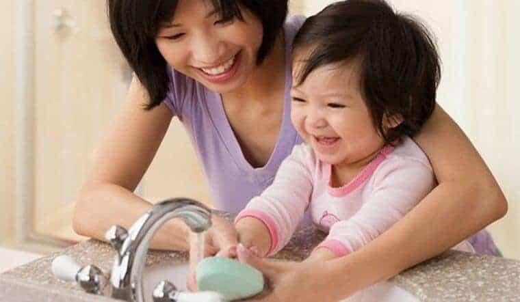 Hướng dẫn trẻ 06 bước rửa tay sạch khuẩn với nước rửa tay